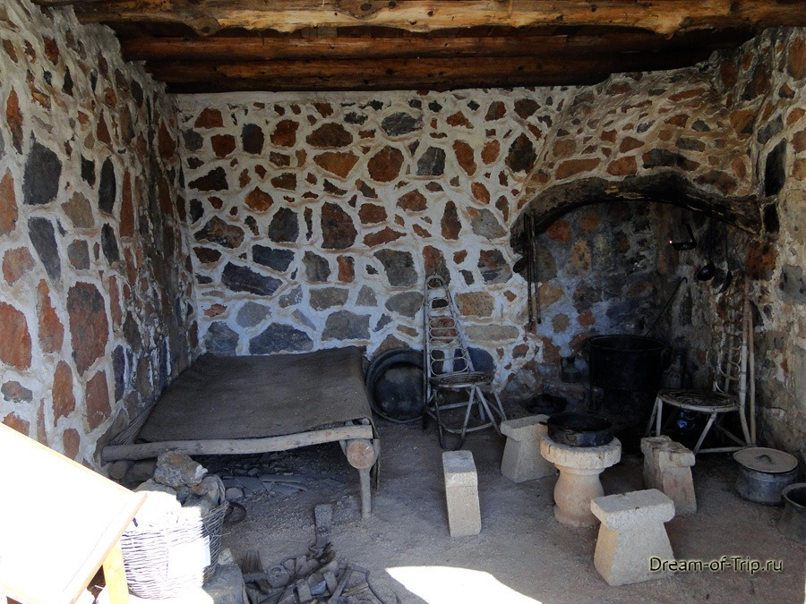 Музей HOMO SAPIENS на Крите. Внутреннее убранство дома.