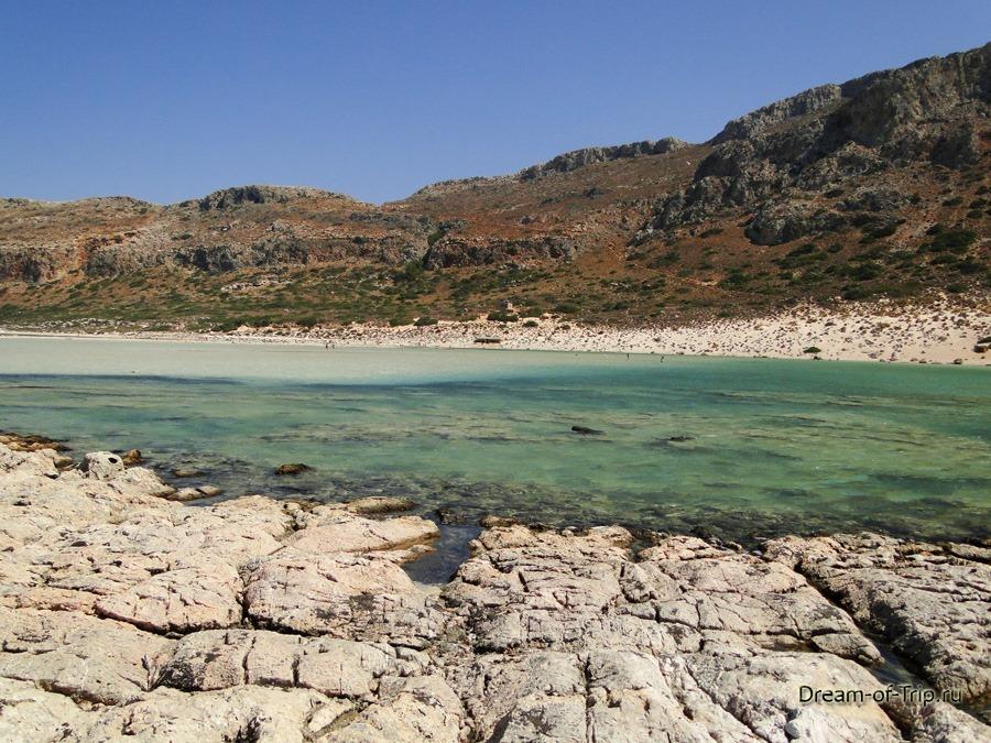 Лагуна Балос на острове Крит. Вид с острова.