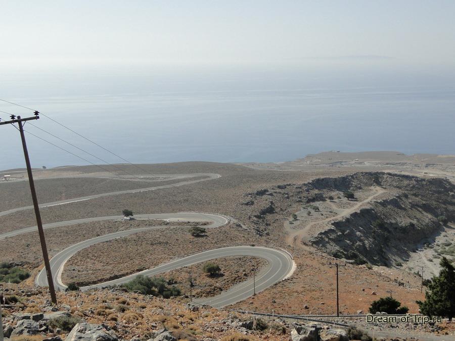 Дороги Крита. Серпантиныпо дороге на Арадену.