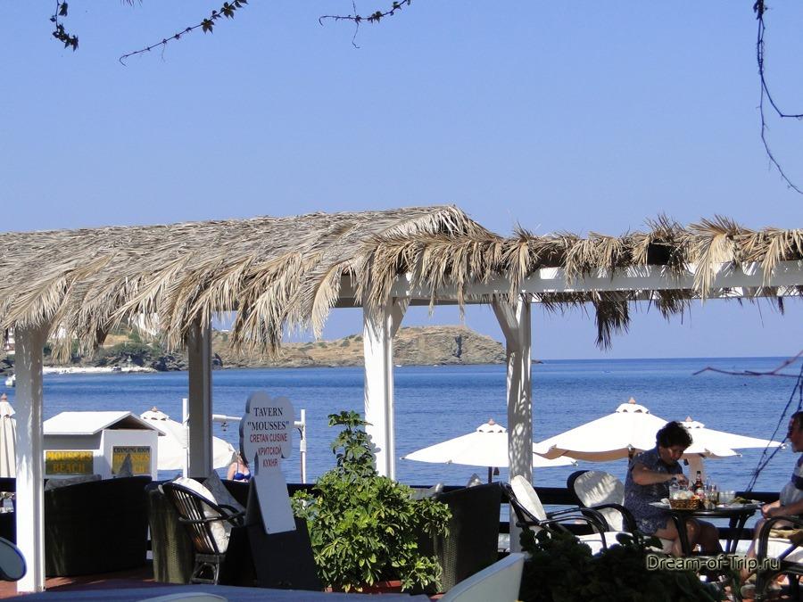 Таверна на берегу моря на Крите. Бали.