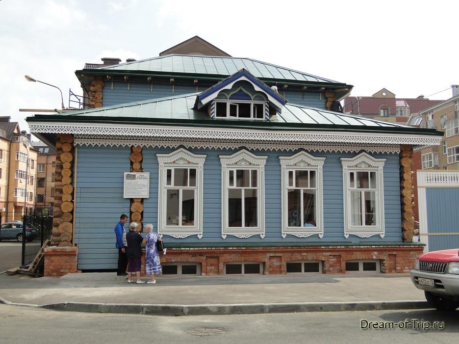 """Улица Каюма Насыри. Дом """"Каушчи"""" Каримова."""
