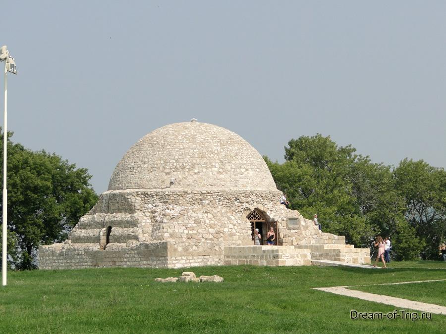 Древний Булгар. Северный мавзолей.