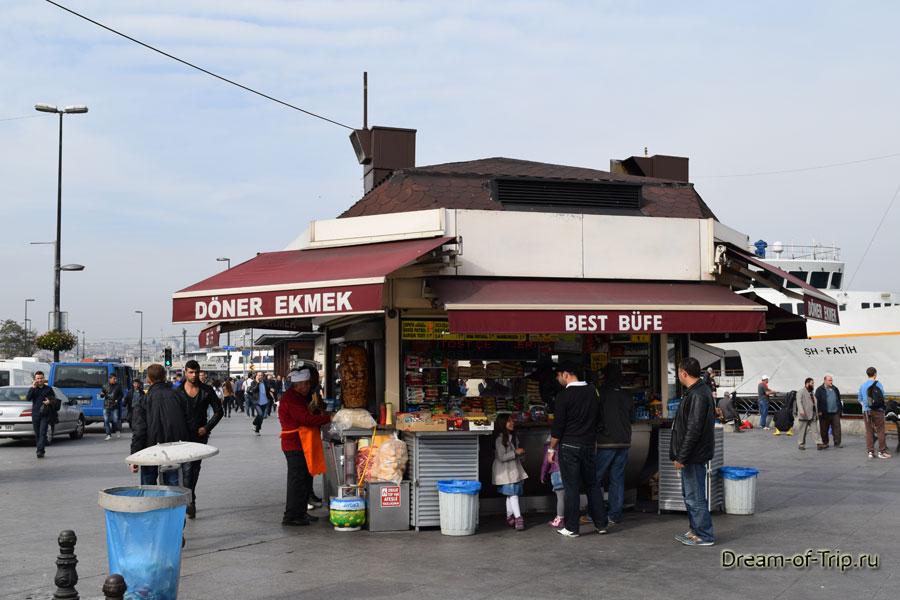 Уличная еда в Стамбуле.