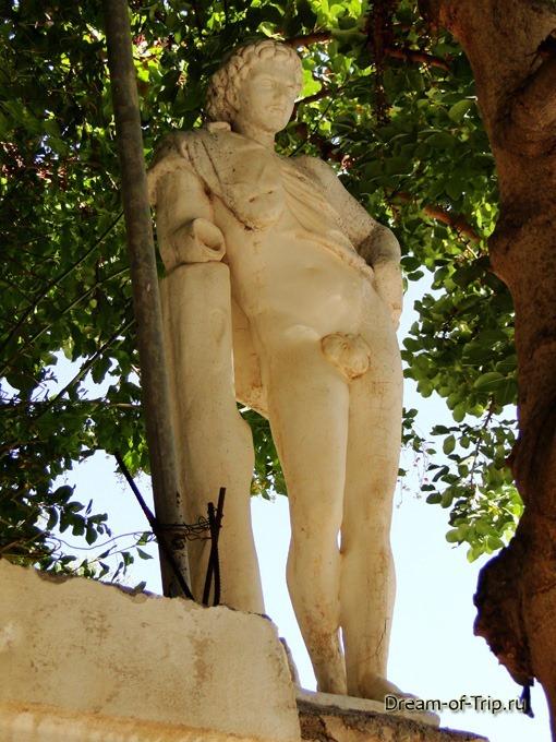 Крит. Отель Бали Маре. Скульптура.