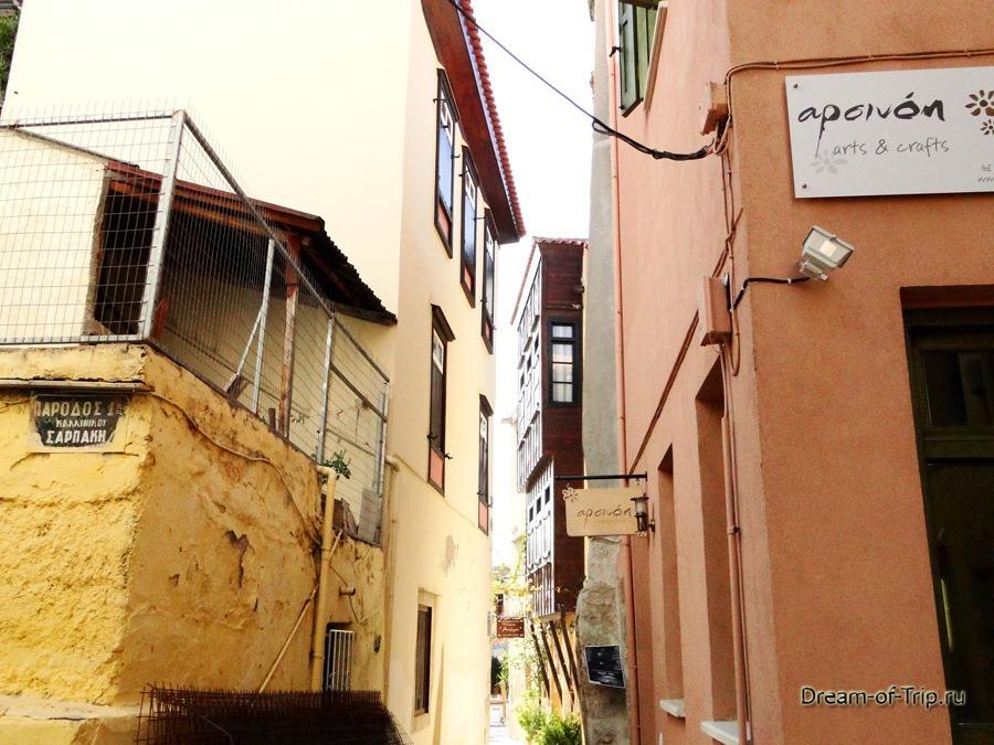 Город Ханья на острове Крит. Узкие улочки.