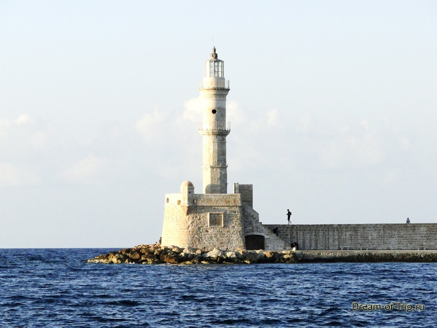Город Ханья на острове Крит. Маяк.