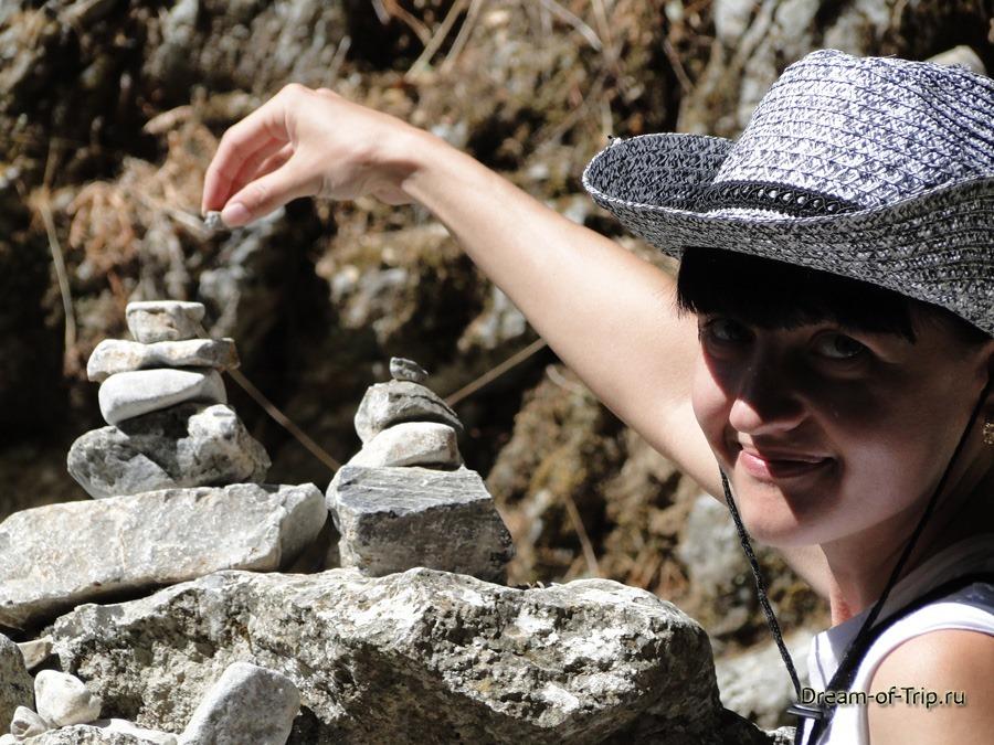 Ущелье Имброс на острове Крит. Моя пирамидка из камней.