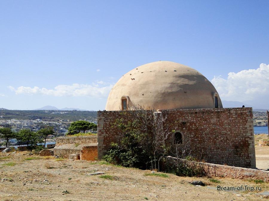Крепость Фортецца. Мечеть Султана Ибрагима.