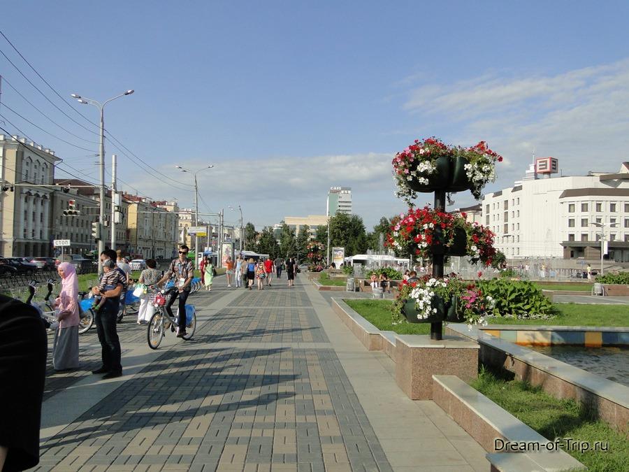 Казань сейчас. Улицы.