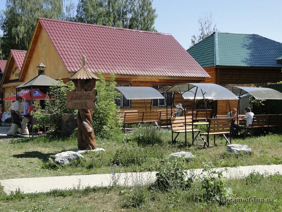 Кафе около Раифского монастыря.