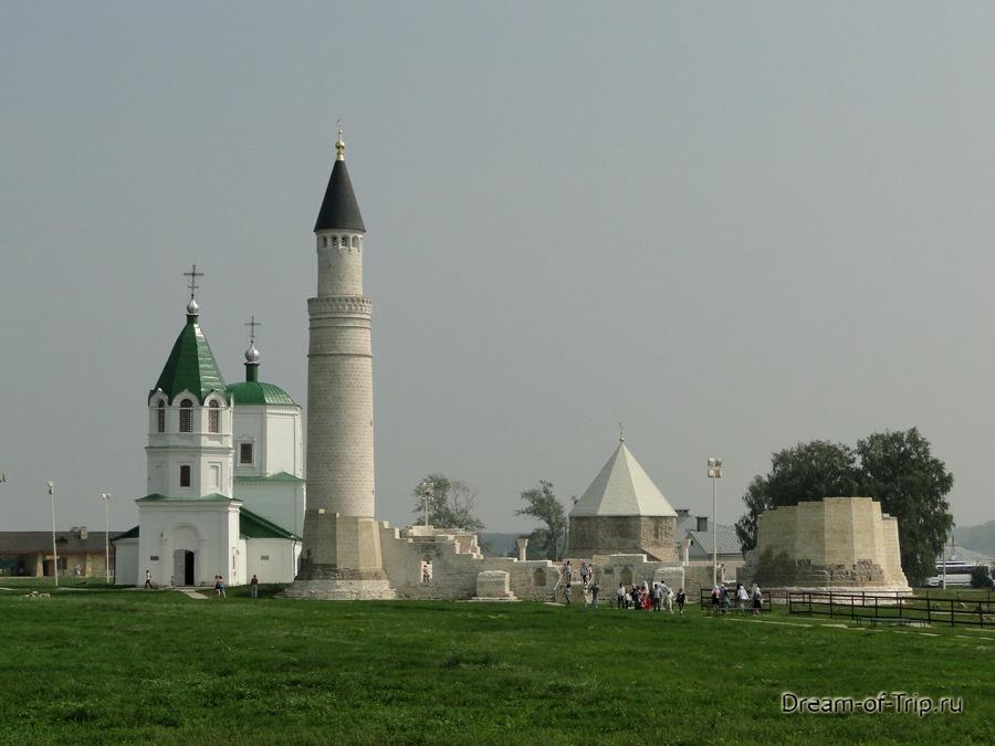 Древний Булгар. Соборная мечеть, Большой минарет, Церковь Успения.