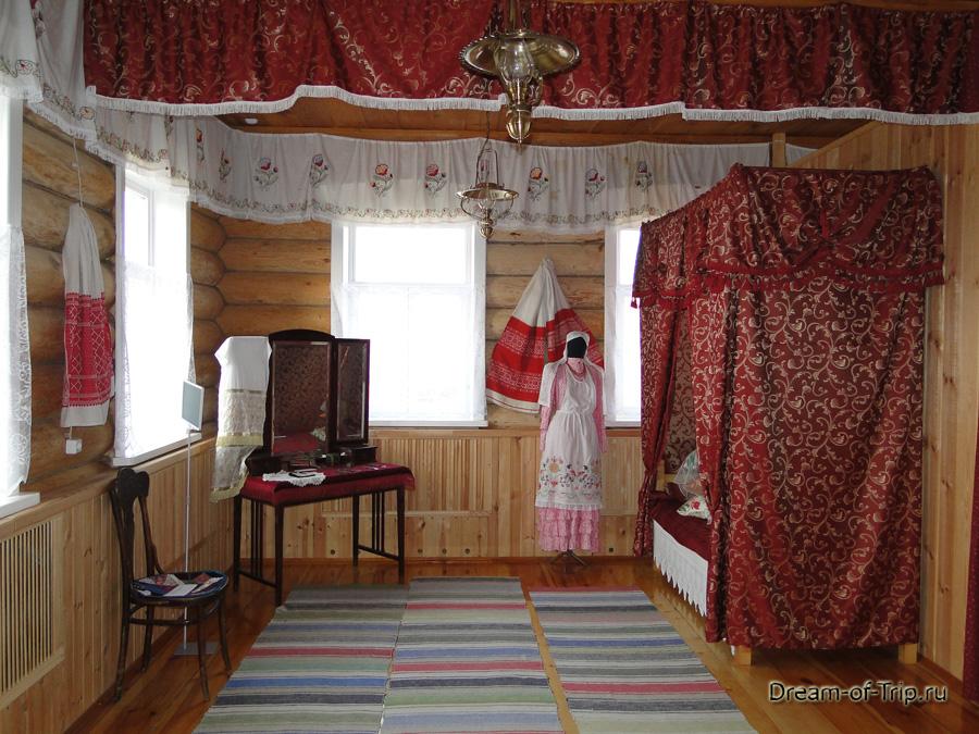 Комната в доме мельника.