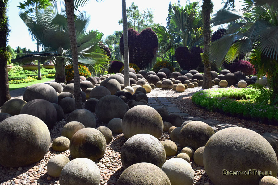 Сад камней в Нонг Нуч