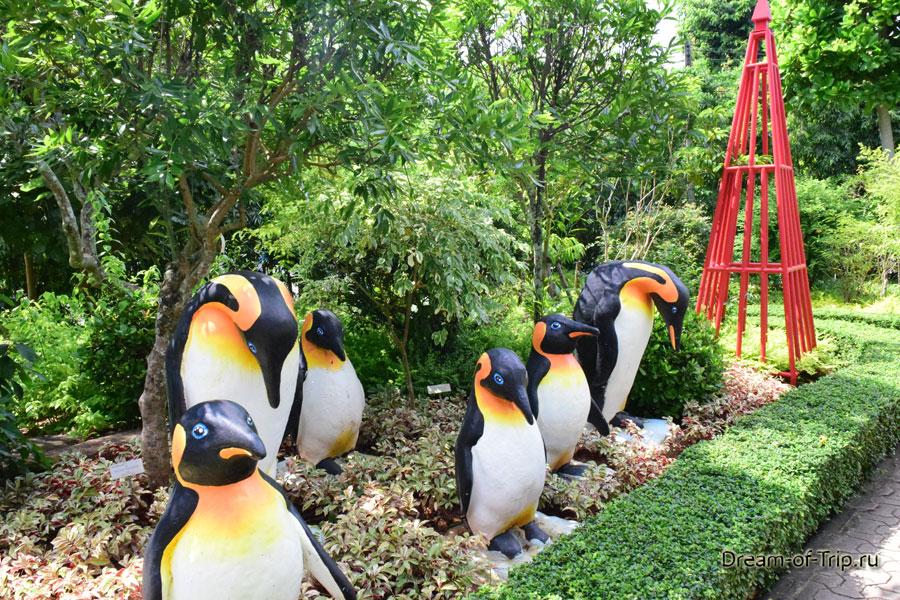 Скульптуры пингвинов в саду Мадам Нонг Нуч