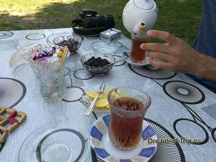 Кафе по дороге в поселок Лагич.