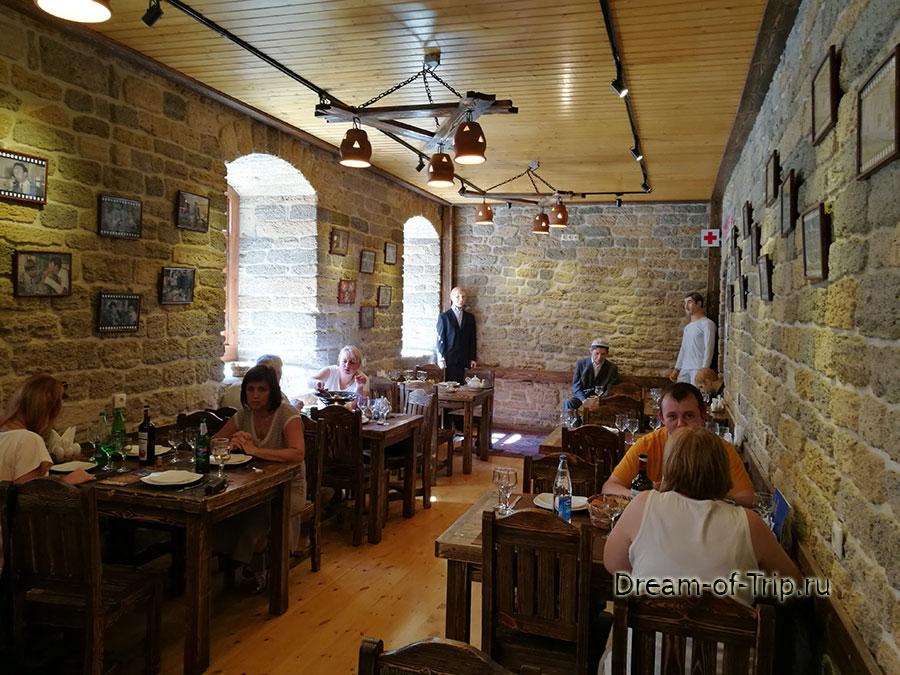 оформление кафе Черт побери в Баку